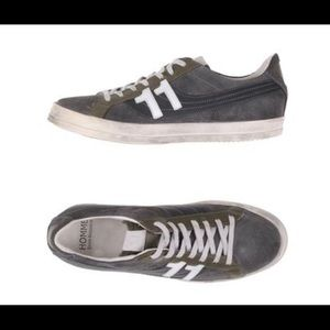 Homme Daniele Alessandrini NWOT leather sneakers